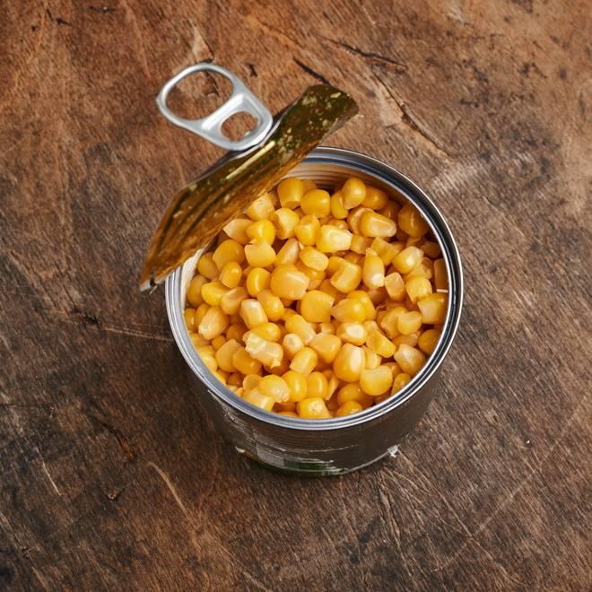 考案者、天才なのでは!?火を使わない「コーン缶」のおつまみレシピ