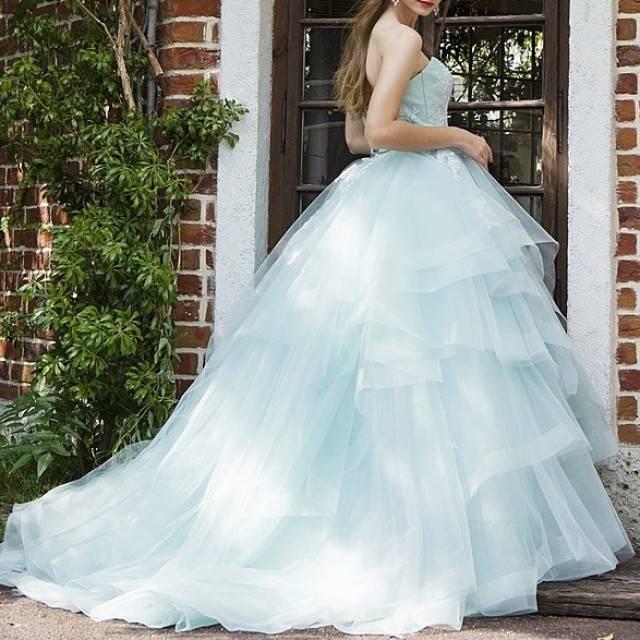年下花嫁さんにおすすめ♡大人可愛いブルー系ウェディングドレス5連発